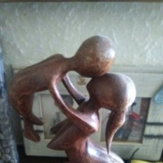 escultura materna