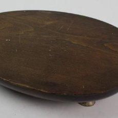 Antigüedades: BANDEJA DE MADERA PARA ROAST BEEF. MADERA Y METAL PLATEADO. S.XX.. Lote 128539439