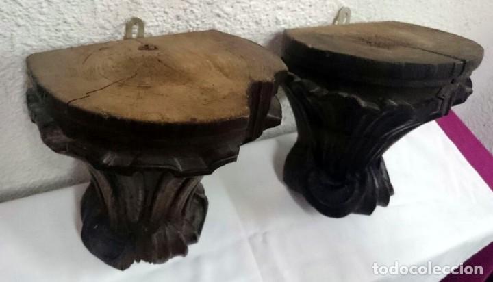 Antigüedades: Antigua pareja de ménsulas, peana,repisa de madera de castaño. Piezas barrocas. Siglo XVIII.23x23x18 - Foto 3 - 128540167