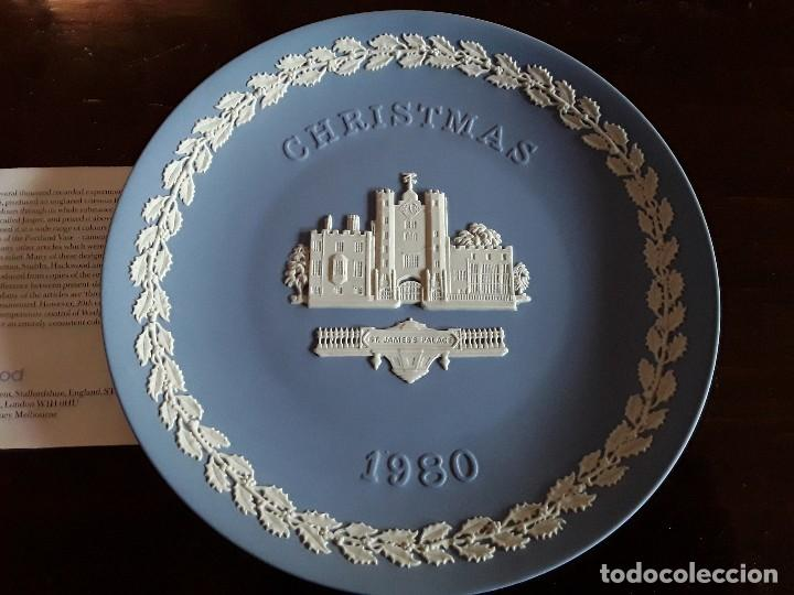 PLATO PORCELANA WEDGWOOD NAVIDAD 1980 (Antigüedades - Porcelanas y Cerámicas - Inglesa, Bristol y Otros)