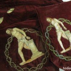 Antigüedades: CRISTO ATADO A LA COLUMNA BORDADO RELIGIOSO ECCE HOMO, SON DOS. Lote 44996333