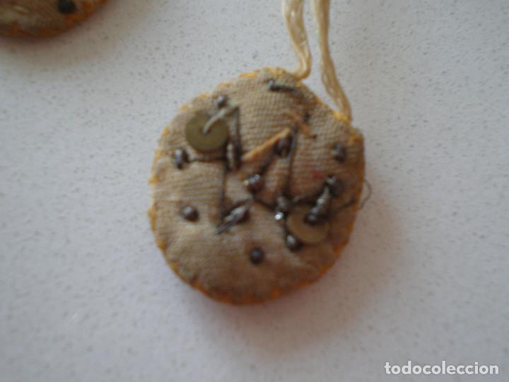 Antigüedades: ESCAPULARIO SIGLO XIX NUESTRA SEÑORA DEL CARMEN // BORDADO CON CUENTAS Y GRABADO// VIRGEN RELICARIO - Foto 4 - 128615483