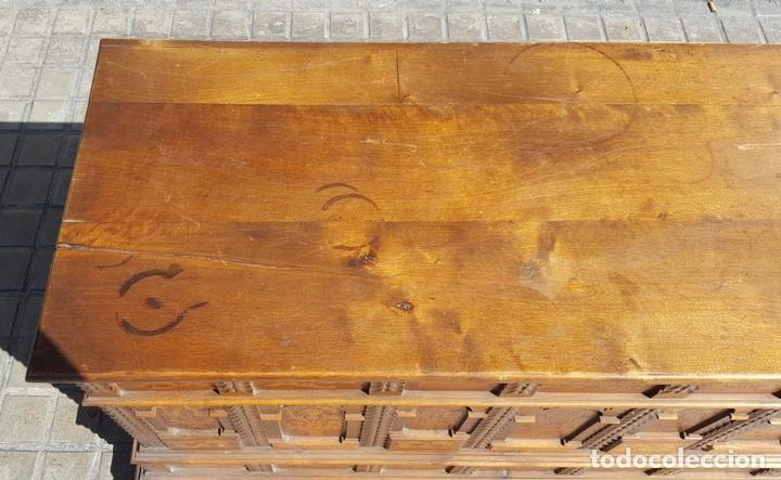 Antigüedades: ARCÓN CATALÁN. NOGAL CON INCRUSTACIONES DE BOJ. ESTILO BARROCO. SIGLO XX. - Foto 3 - 128620731