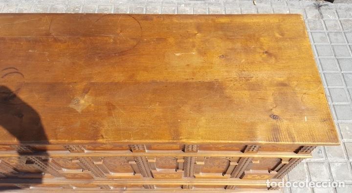 Antigüedades: ARCÓN CATALÁN. NOGAL CON INCRUSTACIONES DE BOJ. ESTILO BARROCO. SIGLO XX. - Foto 4 - 128620731