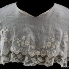 Antiguidades: ANTIGUA CAPELINA DE ENCAJE Y BORDADOS - S. XIX. Lote 128647559