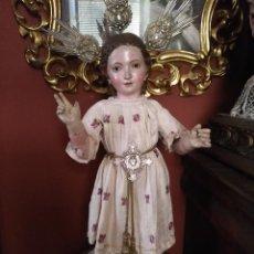 Antigüedades: MUY ANTIGUO TRAJE DE NIÑO JESUS DE VESTIR TAMAÑO NATURAL BROCADO ESTAMPADO TIPO SEDA . SEMANA SANTA. Lote 135697882