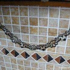 Antigüedades: MANTILLA NEGRA DE TRES PICOS - AÑOS 60. Lote 128721863