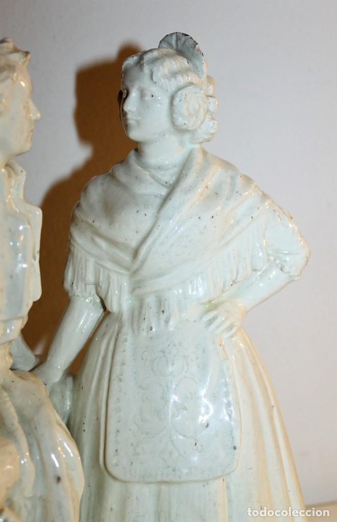 Antigüedades: PAREJA DE VALENCIANOS EN LOZA VIDRIADA DE PRINCIPIOS DEL SIGLO XX - POSIBLEMENTE DE PEYRO - Foto 2 - 128743399