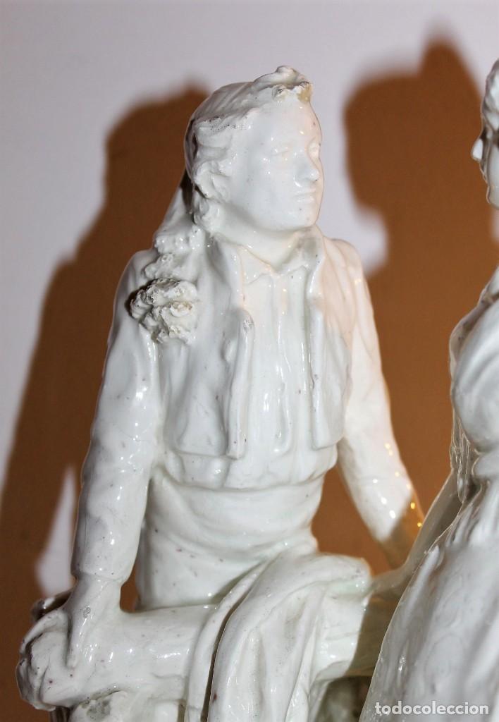 Antigüedades: PAREJA DE VALENCIANOS EN LOZA VIDRIADA DE PRINCIPIOS DEL SIGLO XX - POSIBLEMENTE DE PEYRO - Foto 5 - 128743399