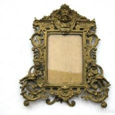 Antigüedades: SACRA MARCO DE BRONCE CIRCA 1890 QUERUBINES EN RELIEVE PIEZA ÚNICA. Lote 128756855