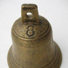 Antigüedades: CAMPANA DE BRONCE Nº 8 8,5 CMS DE BOCA Y 9 CMS DE ALTURA . Lote 128757591