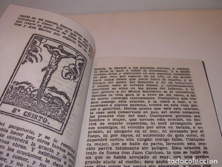 Antigüedades: ANTIGUA Y BONITA CRUZ DE CARAVACA CON LIBRO DE EXORCISMOS Y BENDICIONES. - Foto 7 - 128767015