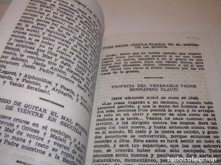 Antigüedades: ANTIGUA Y BONITA CRUZ DE CARAVACA CON LIBRO DE EXORCISMOS Y BENDICIONES. - Foto 12 - 128767015