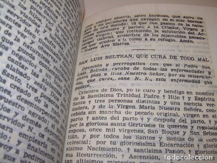 Antigüedades: ANTIGUA Y BONITA CRUZ DE CARAVACA CON LIBRO DE EXORCISMOS Y BENDICIONES. - Foto 17 - 128767015