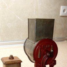 Antigüedades: PICADORA DE FRUTOS SECOS ELMA, TRITURADORA DE PAN MODELO GRANDE * PERFECTA *. Lote 128815047