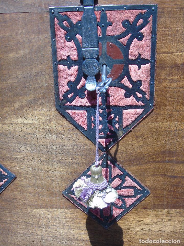 Antigüedades: ANTIGUO BARGUEÑO CON PIES, DE NOGAL Y HERRAJES. PRINCIPIO SG XX - Foto 3 - 128849635