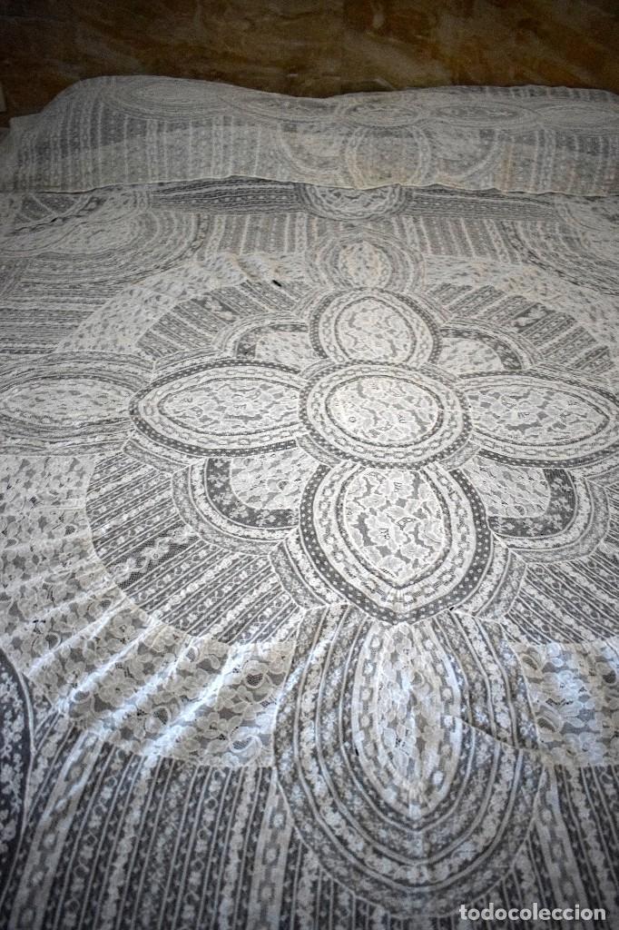 Antigüedades: Colcha antigua encaje valenciennes y alençon modernismo / art decó novia. compatible cama 150 - Foto 24 - 127933551