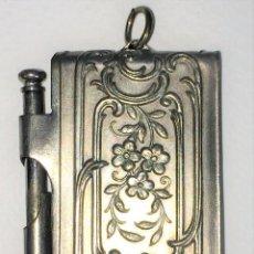 Antigüedades: CARNET DE BAILE. METAL CHAPADO EN PLATA. ESTILO LUIS XV. ESPAÑA. SIGLO XIX-XX. Lote 128874191