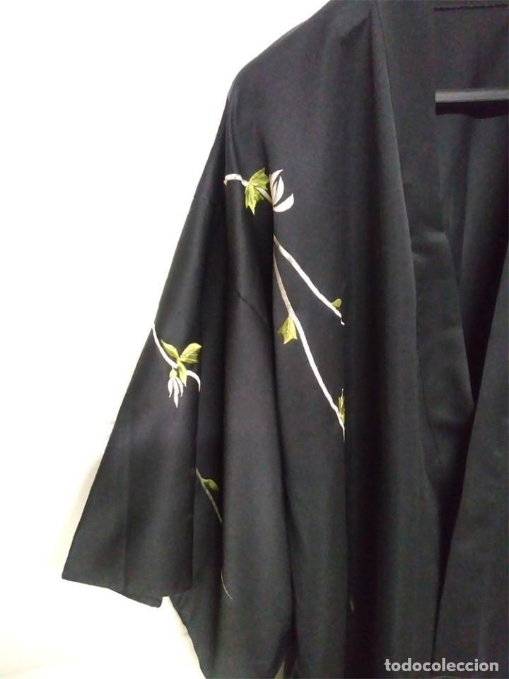 Antigüedades: Bata China bordada, como nueva. - Foto 6 - 128876395