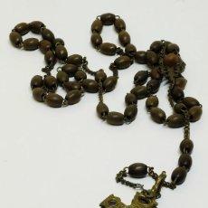 Antigüedades: ANTIGUA CRUZ MAL LLAMADA DE CARAVACA DOBLE EN METAL CON ROSARIO, RELICARIO Y RELIQUIA. Lote 128895823