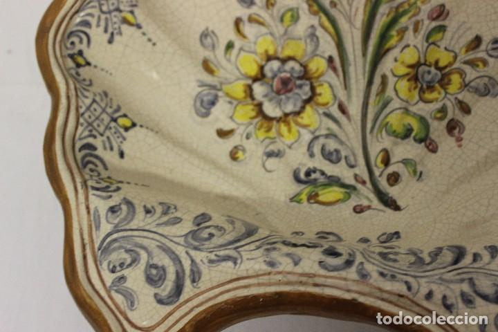 Antigüedades: CONCHA O BENDITERA DE CERÁMICA DE TALAVERA - Foto 6 - 128905007