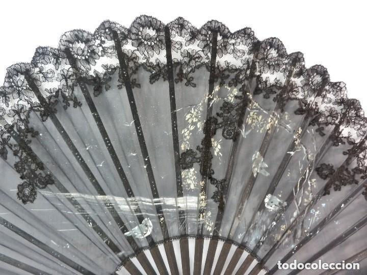 Antigüedades: Precioso abanico pericón Isabelino bordado a mano y pintado a mano. S XIX - Foto 3 - 128916659