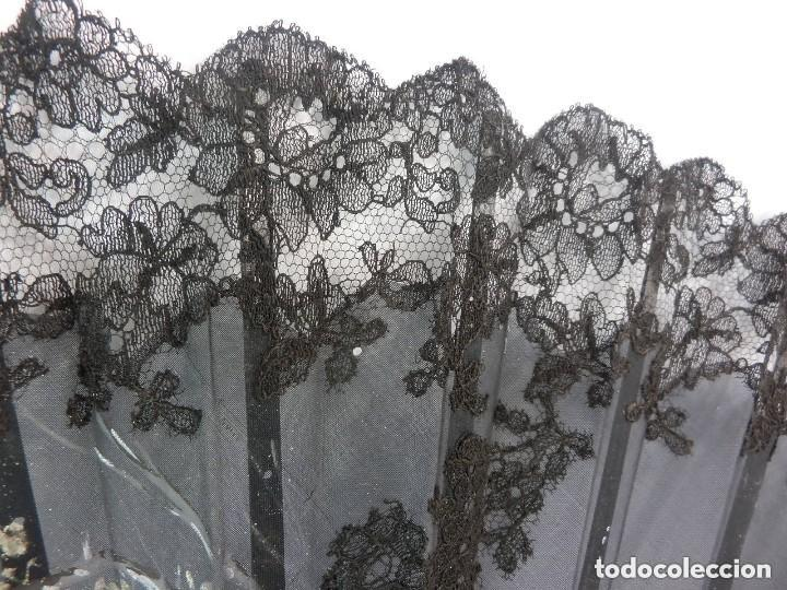 Antigüedades: Precioso abanico pericón Isabelino bordado a mano y pintado a mano. S XIX - Foto 6 - 128916659