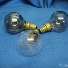 Antigüedades: ANTIGUAS BOMBILLAS TREBOL ESFERA MIÑON 125 V. 25 W. - 3 UNIDADES. Lote 128929859