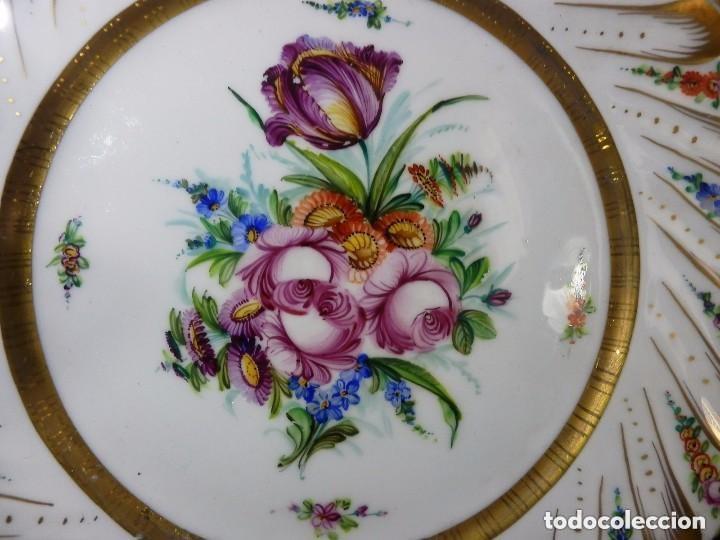 Antigüedades: Bello plato en porcelana decorada a mano para Grife Escoda - Francia, mediados SXX - 25cms - Foto 2 - 128930791