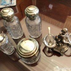Antigüedades: CONJUNTO DE BOTES Y ESPECIERO DE PLATA . Lote 128974343