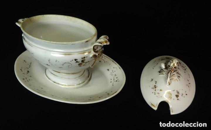 Antigüedades: Salsera una pieza de porcelana Viejo Paris s XIX - Foto 2 - 128984979