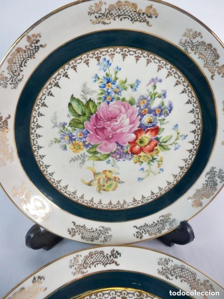 Antigüedades: Preciosa pareja de platos de porcelana Limoges con delicadas rosas. Detalles pintados a mano. - Foto 4 - 128985699