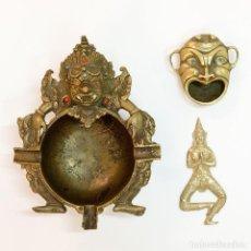 Antigüedades: CONJUNTO DE 3 CENICEROS Y ABRE BOTELLAS EN BRONCE. Lote 128990831