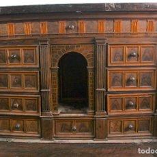 Antigüedades: BARGUEÑO VALENCIANO S.XVII MADERA DE NOGAL CON MARQUETERIA EN EL INTERIOR,MODIFICADO.SIGLO XIX.. Lote 128991251