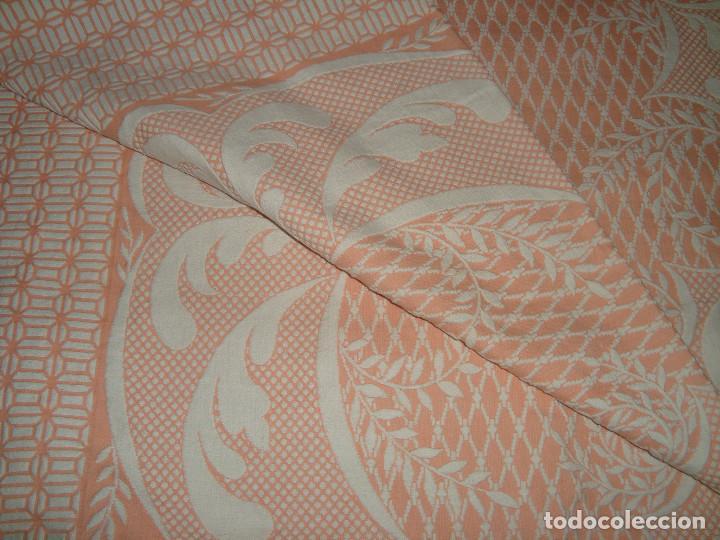 Antigüedades: ANTIGUA COLCHA DE ALGODÓN ROSA Y BLANCO 248cm x 204cm. - Foto 7 - 129008539