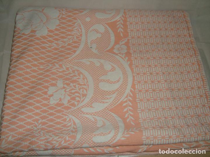 Antigüedades: ANTIGUA COLCHA DE ALGODÓN ROSA Y BLANCO 248cm x 204cm. - Foto 10 - 129008539
