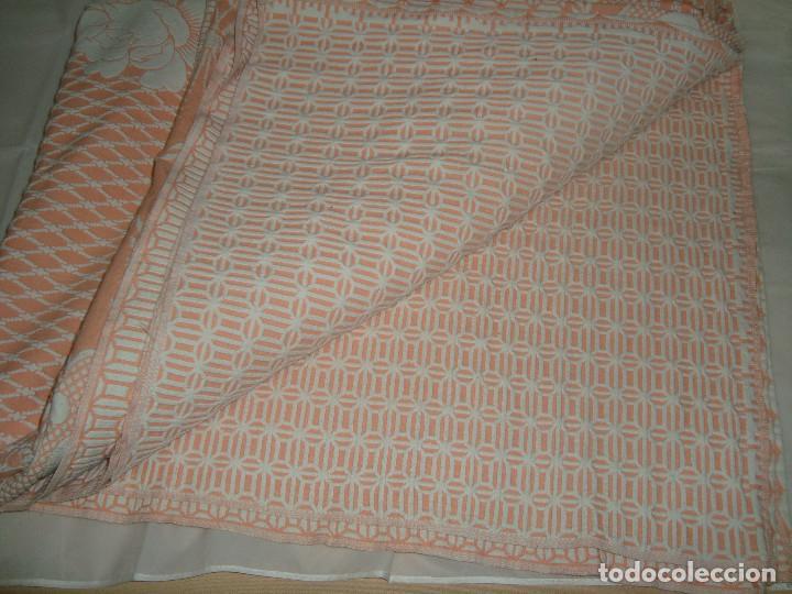 Antigüedades: ANTIGUA COLCHA DE ALGODÓN ROSA Y BLANCO 248cm x 204cm. - Foto 15 - 129008539