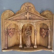 Antigüedades: ANTIGUA CAPILLA DE MADERA DE OLIVO, TALLADA A MANO, SAN ANTONIO. SIGLO XIX. ÚNICA, RAREZA.. Lote 121239147
