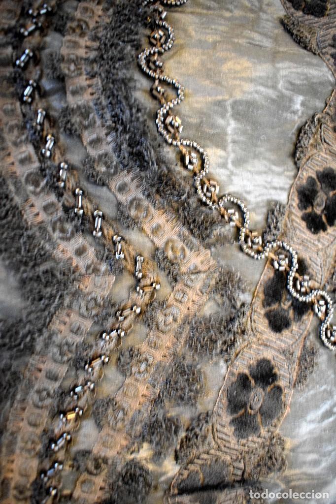 Antigüedades: Maravillosa mantilla de terno S XVIII - XIX moare, pedreria y tul bolillo manual Pieza museable. - Foto 4 - 129018203