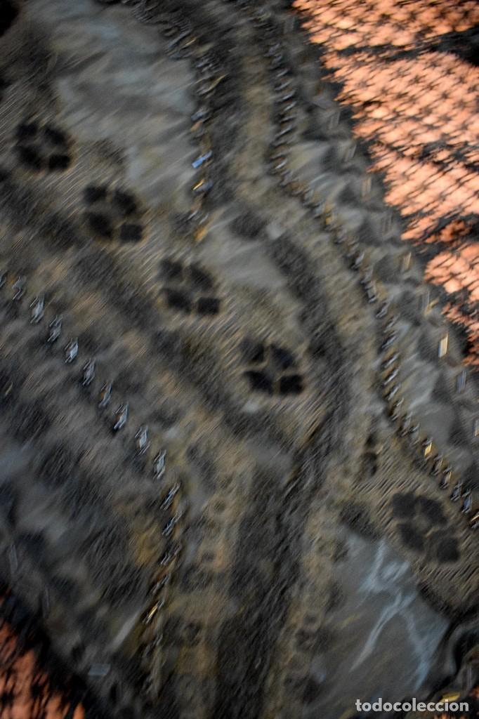 Antigüedades: Maravillosa mantilla de terno S XVIII - XIX moare, pedreria y tul bolillo manual Pieza museable. - Foto 5 - 129018203
