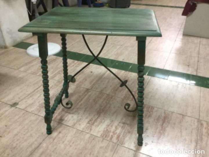 Antigüedades: Mesa castellana de pata de lenteja restaurada pintada en verde oliva de Annie Sloan. 70x60x40. S.XIX - Foto 3 - 129020751