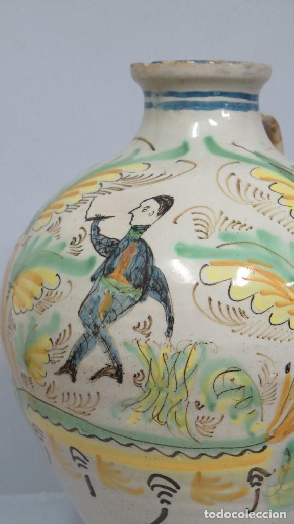 Antigüedades: GRAN CANTARO DE PUENTE DEL ARZOBISPO. RARA MOTIVO HOMBRE FUMANDO. FECHADO 1899 - Foto 2 - 129031507