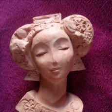 Antigüedades: BONITA ESCULTURA TERRACOTA DISEÑA LOLA ARCAS. Lote 129065588
