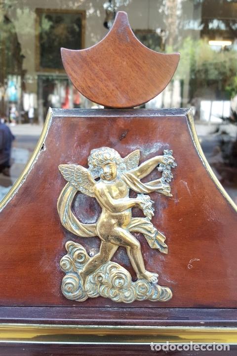 Antigüedades: TOCADOR ESTILO IMPERIO. MADERA DE CAOBA. BRONCE. ESPAÑA. SIGLO XIX. - Foto 12 - 129069923