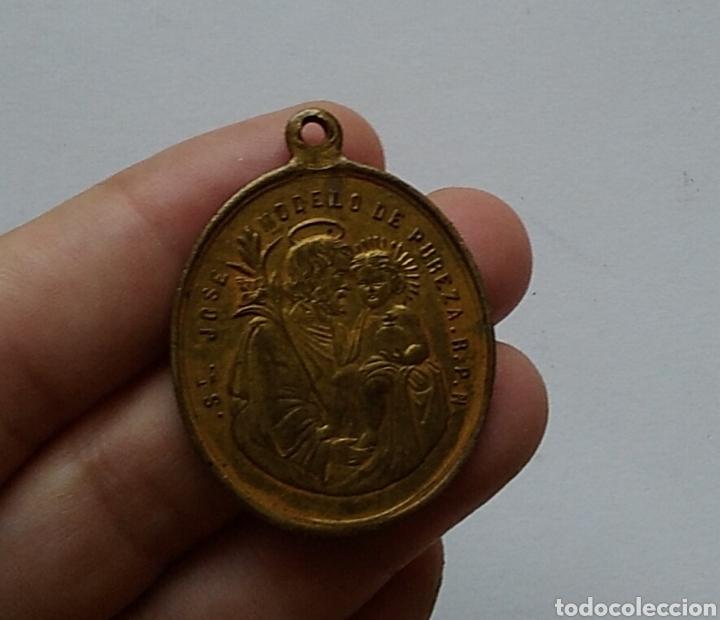 BONITA MEDALLA RELIGIOSA ANTIGUA SAN JOSÉ Y MARIA SIN PECADO CONCEBIDA / 28 X 39 CM (Antigüedades - Religiosas - Medallas Antiguas)