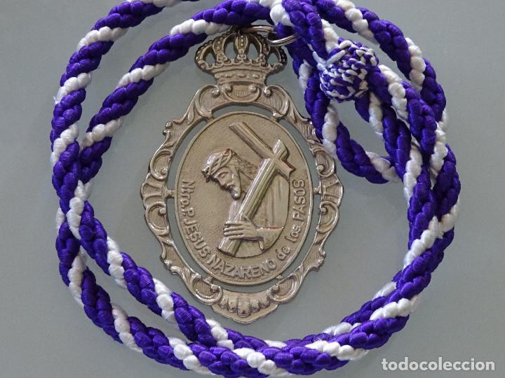 MEDALLA MEDALLÓN RELIGIOSA. MALAGA. HERMANDAD JESUS NAZARENO DE LOS PASOS 60GR (Antigüedades - Religiosas - Medallas Antiguas)