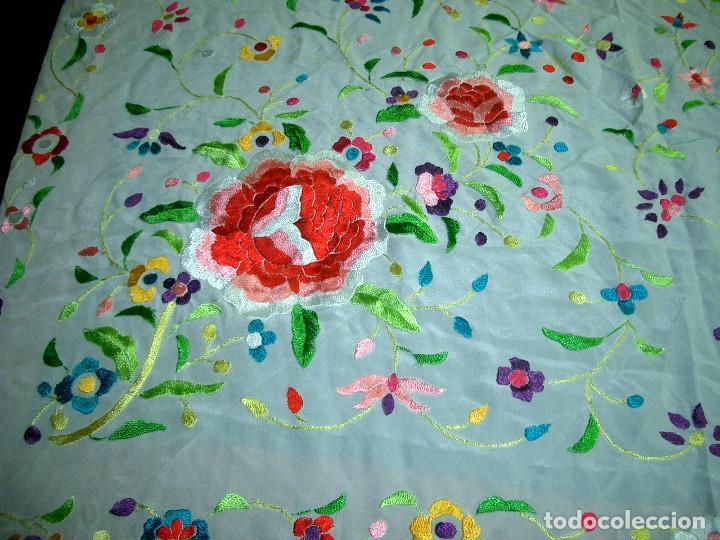Antigüedades: Manton de manila bordado floral, en color crema - Foto 3 - 129144479