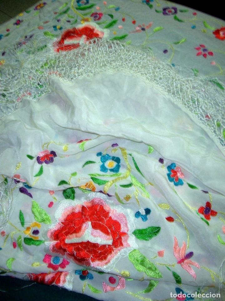 Antigüedades: Manton de manila bordado floral, en color crema - Foto 4 - 129144479