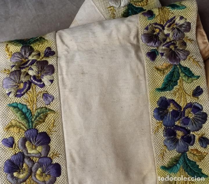 Antigüedades: Antiguo tapete bordado - de colección - Foto 2 - 140775000
