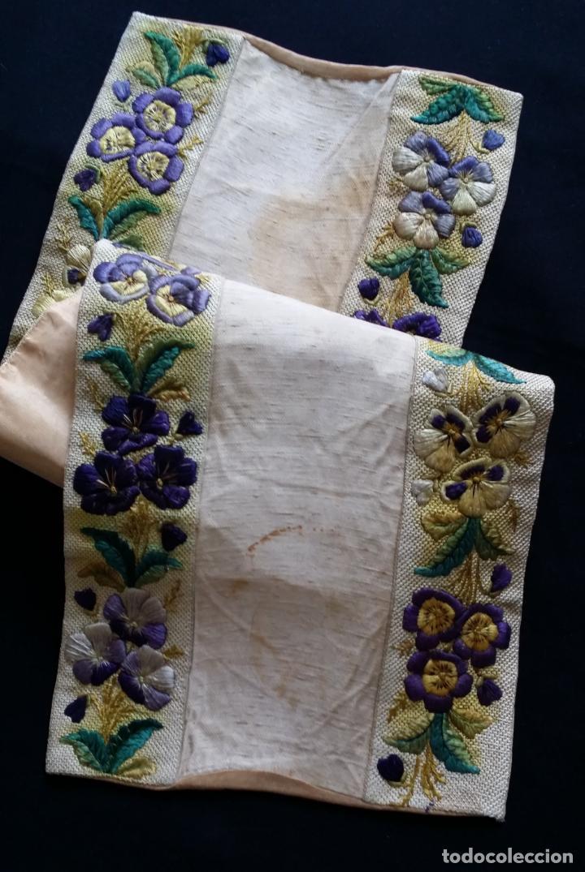 Antigüedades: Antiguo tapete bordado - de colección - Foto 5 - 140775000